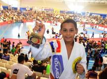 Fenômeno Micael Galvão finaliza todos os adversários no Amazonense de Jiu-Jítsu 2015