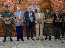 Prefeito Arthur Neto participa de comemorações pelo Dia do Exército Brasileiro e destaca contribuições militares para o país