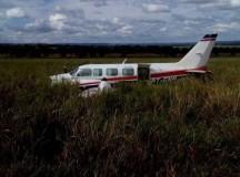 Avião com família dos apresentadores Luciano Huck e Angélica faz pouso de emergência no MS