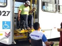 Deficientes pedem à Vilma Queiroz por campanha de sensibilização, em Manaus