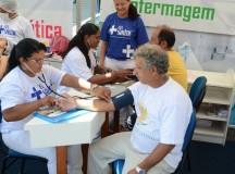 Feira da Eduardo Ribeiro recebe serviços e orientações do CEL Saúde, em Manaus