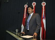 Deputado Bi Garcia critica demissão de mais de mil funcionários da prefeitura de Parintins, no AM