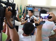 Prefeito de Parintins anuncia concurso público com 1.500 vagas em janeiro