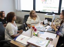 Emendas para Mulheres, Mesa Brasil e Programa de Aquisição de Alimentos são bandeiras de Alessandra Campêlo para Iranduba