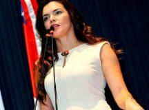 Deputada Estadual Alessandra Campêlo diz que está sendo perseguida pelo governador do Amazonas