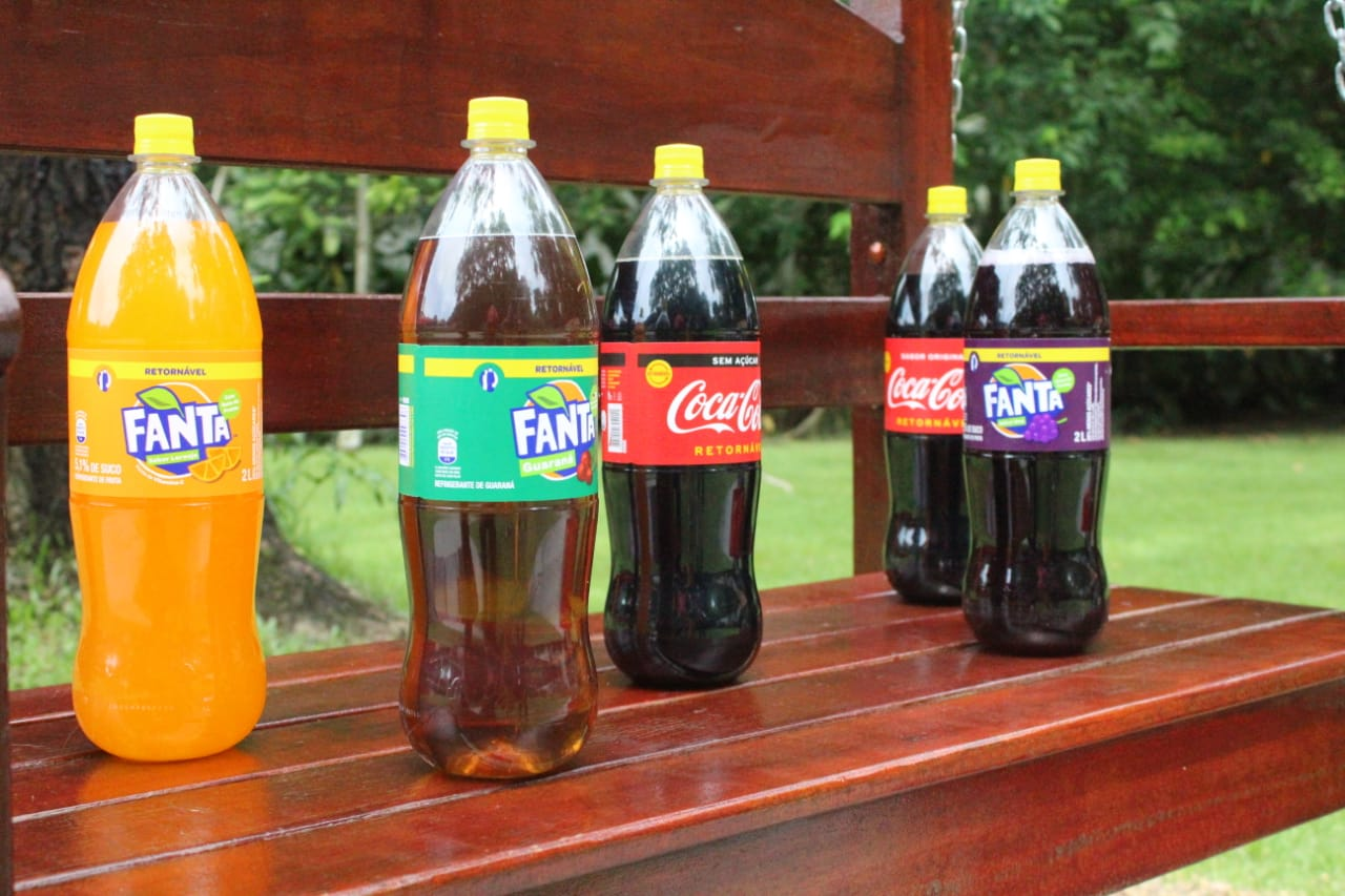 Grupo Simões apresenta novas embalagens retornáveis da Coca-Cola