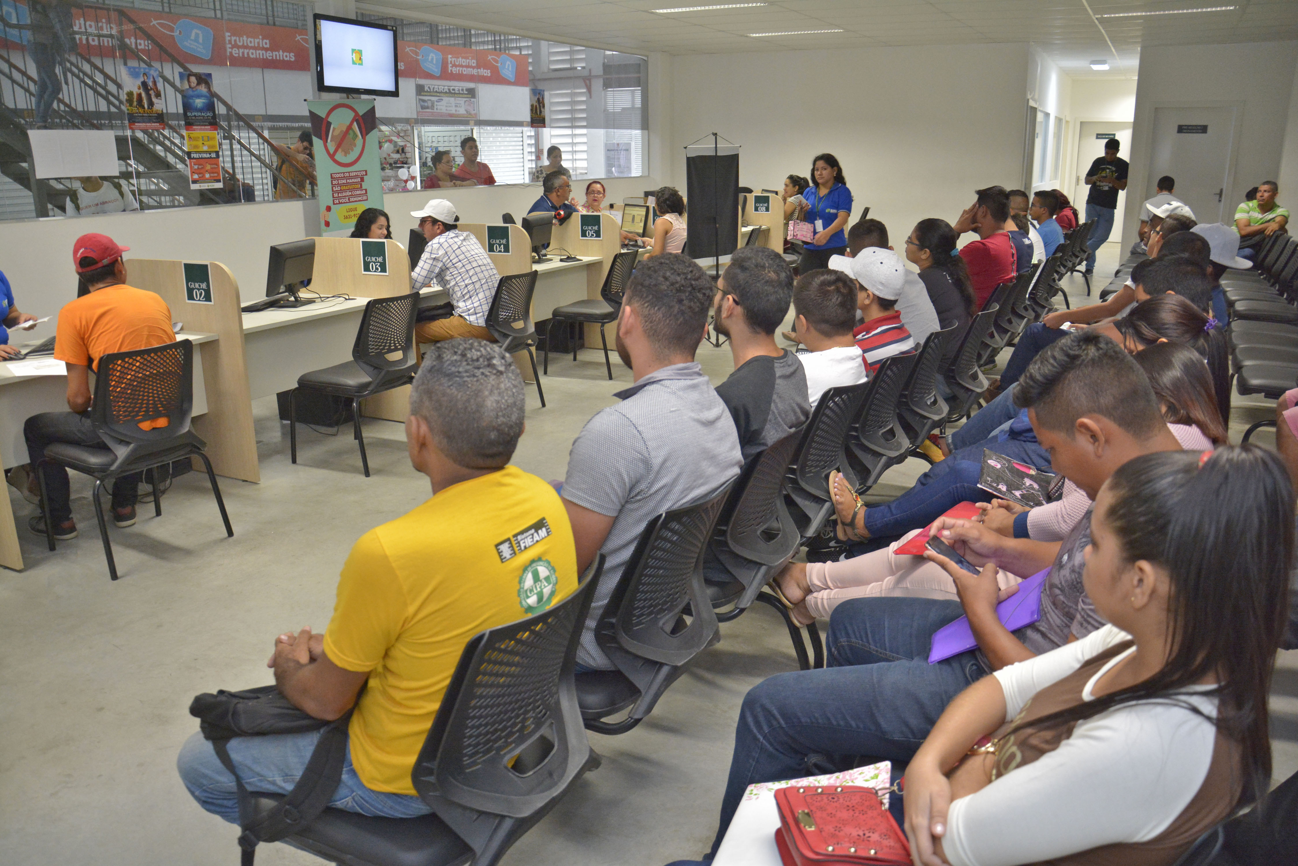Prefeitura de Manaus oferta 75 vagas de emprego nesta segunda-feira, 28/9