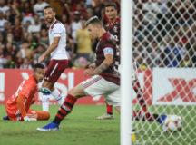 Nenê marca golaço e Tricolor vence primeiro Fla-Flu de 2020