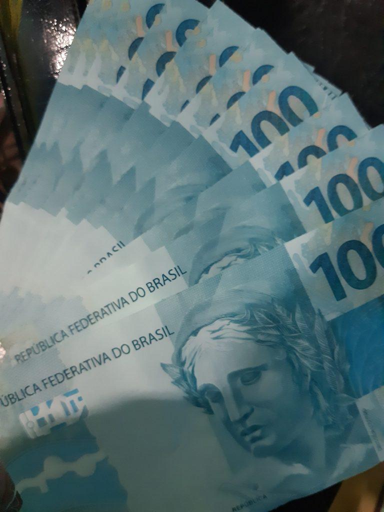 Governo Federal já gastou R$ 303 bi em MPs contra Covid-19