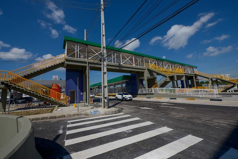 Prefeitura de Manaus lança linhas de ônibus e abre novas vias com a entrega do complexo viário Ministro Roberto Campos
