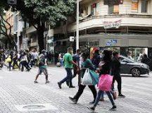87% dos brasileiros precisaram sair durante isolamento social, mostra pesquisa