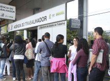 Brasília - Ministério do Trabalho promove ações, em homenagem ao Dia D de Inclusão de Pessoas com Deficiência, em diversas cidades do país com o objetivo de inseri-los no mercado de Trabalho (José Cruz/Agência Brasil)
