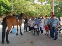 Crianças do Abrigo Moacyr Alves visitam a Cavalaria da Polícia Militar do Amazonas em programação alusiva à Semana da Pessoa com Deficiência