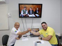 Presidente Bolsonaro afirma ter três candidatos a prefeitos no Brasil: Manaus, São Paulo e Santos