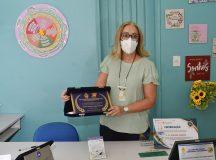 Vencedora do 'Educador Nota 10', gestora de escola da prefeitura concorre à nova categoria em votação on-line
