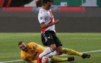 Palmeiras passa sufoco, é dominado pelo River Plate, mas consegue a vaga para a final da Libertadores
