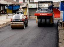 Prefeitura de Manaus realiza recapeamento asfáltico da feira do Produtor, após 12 anos