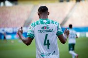 Ação do Guaraná Tuchaua premia torcedores do Manaus FC com camisa oficial do time