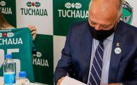 Ação do Guaraná Tuchaua premia torcedores do Manaus FC com camisa oficial do time
