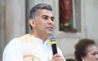 Live com Pe. Charles Cunha fala sobre espiritualidade e fé durante a pandemia