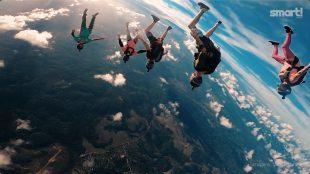 Paraquedismo e música ao vivo agitam o final de semana em Manaus