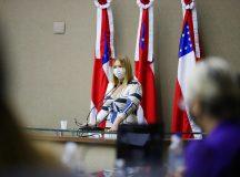 Magistrada do TJAM é homenageada em sessão especial realizada pela Aleam, alusiva aos 15 anos de sanção da Lei Maria da Penha